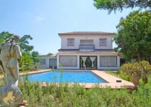 4 Schlafzimmer, Villa, zu verkaufen, 3 Badezimmer, Listing ID 1145, Conil de la Frontera, Andalusien, Spanien, 11140,