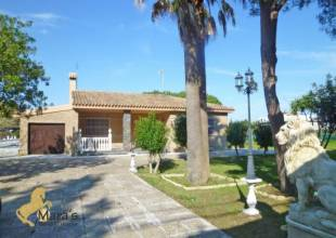 3 Schlafzimmer, Villa, zu verkaufen, 2 Badezimmer, Listing ID 1170, Chiclana de la Frontera, Andalusien, Spanien, 11130,